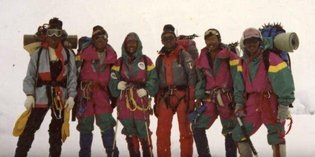 L'incredibile storia della prima donna nepalese che nel 1993 ha scalato