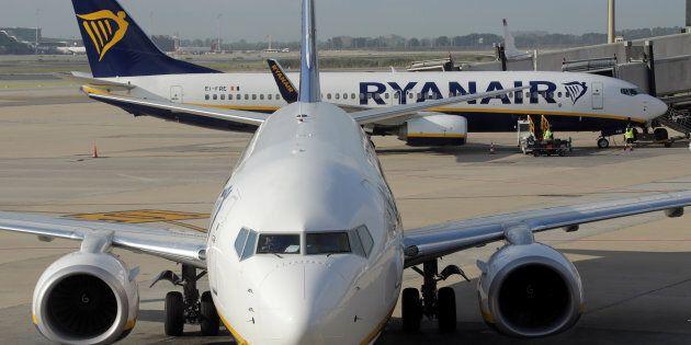 Ryanair non informa i passeggeri sui loro diritti per i voli cancellati, Antitrust avvia