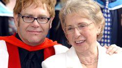 L'ultimo saluto di Elton John alla madre scomparsa fa capire come grazie all'amore si supera ogni