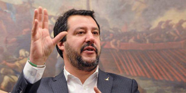 Matteo Salvini lancia il condono