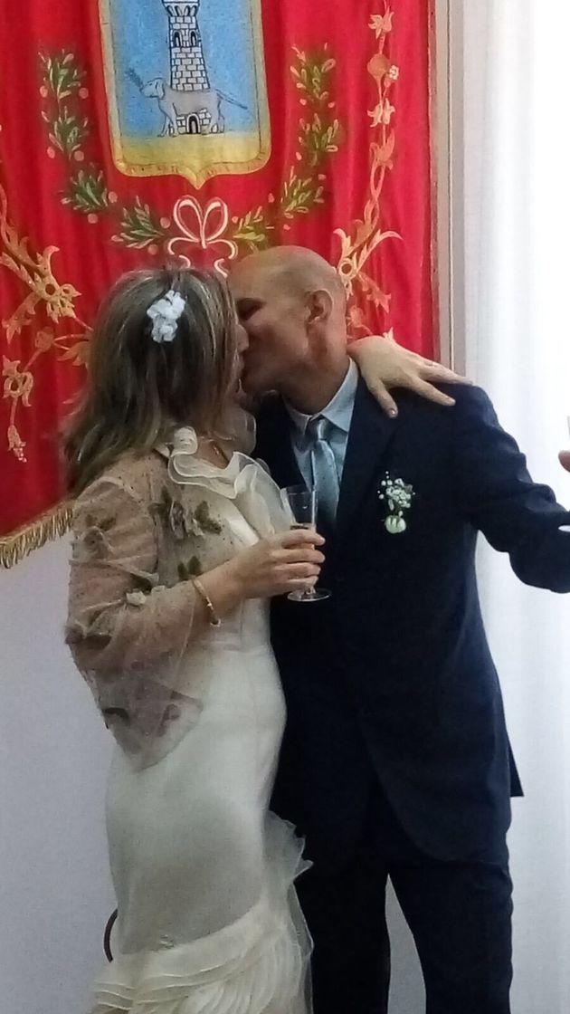 Migrante si sposa e poi torna nel Cie. La moglie sola al banchetto di nozze: