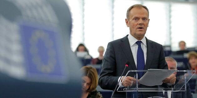Il presidente del Consiglio europeo Donald Tusk solletica i pentiti della Brexit: