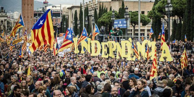 Catalogna, gli indipendentisti di nuovo ai vertici delle istituzioni: il repubblicano Roger Torrent presidente...