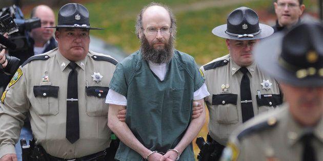 Chris Knight scortato in Tribunale (PhotoAndy Molloy / Portland Press Herald tramite Getty