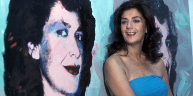 1978, Graziella Lonardi Buontempo nella sua casa di Roma accanto al suo ritratto dipinto da
