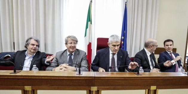 Il Pd presenta due relazioni sulla commissione banche, LeU si tira fuori. Pier Ferdinando Casini dovrà...