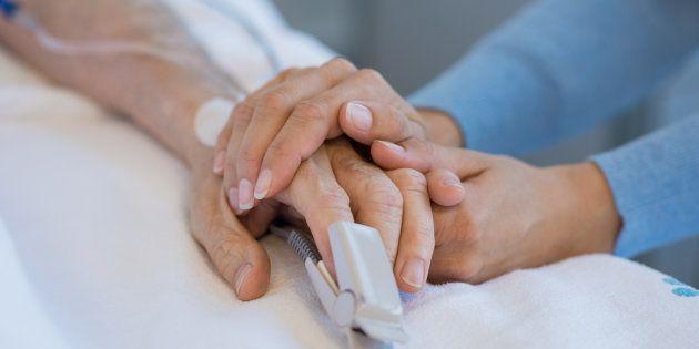 Accanimento terapeutico e cure palliative: la legge su testamento
