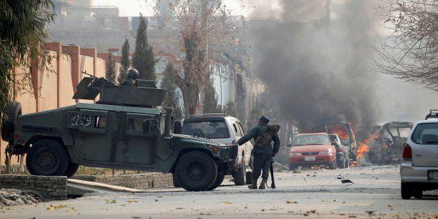 L'Isis colpisce sede di Save the Children in Afghanistan. Ong sempre più nel mirino, testimoni scomodi...