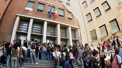 Malore per abuso di alcol in un liceo romano, studentessa rimane in