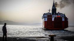 Αναχωρούν κατά χιλιάδες οι εκδρομείς μέσω των λιμανιών του Πειραιά και του