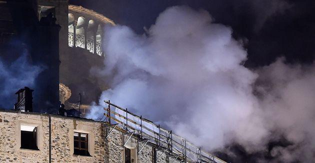 Incendio alla Sacra di San Michele, Torino, 24 Gennaio 2018 ANSA/ALESSANDRO DI