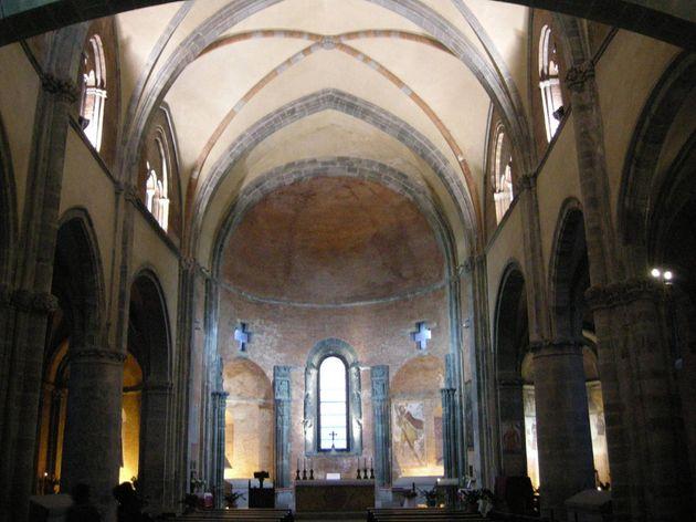 Una veduta della Sacra di San Michele, in una immagine tratta da Wikipdeia. Un incendio � divampato...