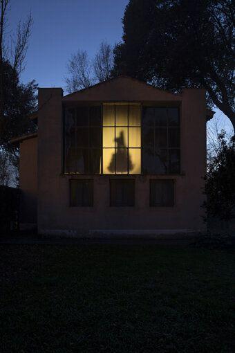 Mostre da vedere nel weekend: 7 appuntamenti con l'arte e la fotografia da Londra a Milano, da Torino...