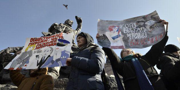 Alexiei Navalny fermato dalla polizia russa nel giorno della manifestazione