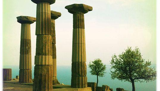 Da Troia a Itaca, sulle orme di Ulisse con due iPhone. Il fotografo Stefano De Luigi, l'Odissea la racconta