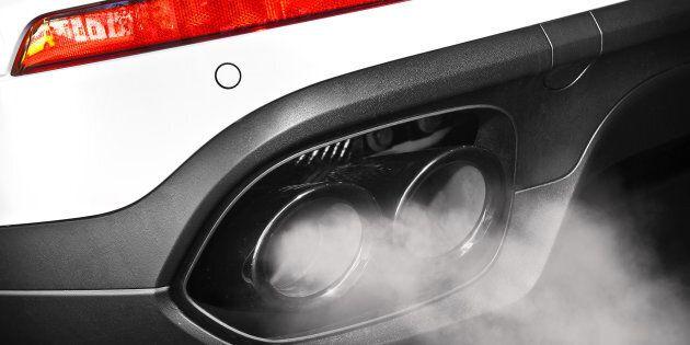 Cavie umane per i test sui gas di scarico delle auto tedesche. Angela Merkel: