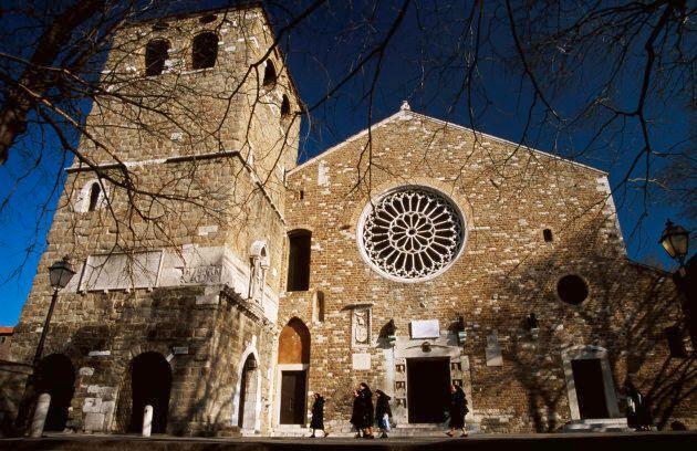 Facciata della cattedrale di San Giusto,