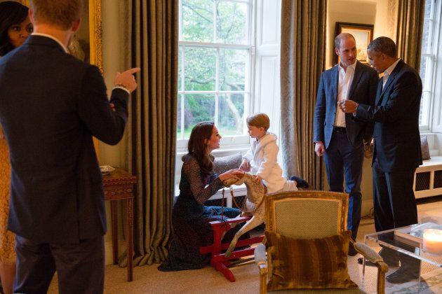 Londra, 22 aprile: una breve visita di Barack Obam a Kesington Palace. Nella foto la moglie Michelle,...
