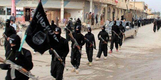Interpol: 50 combattenti Isis tunisini arrivati in Italia via
