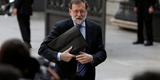 Sull'Europa pende anche la crisi in Spagna. Venerdì si vota la sfiducia a Mariano