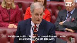 Un ministro britannico ha annunciato le dimissioni per essere arrivato in Parlamento con due minuti di
