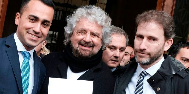 Casaleggio ha mentito sulla Fondazione Rousseau? Intanto ha trovato il modo per gestire milioni di euro