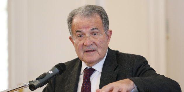 Romano Prodi si sfila: