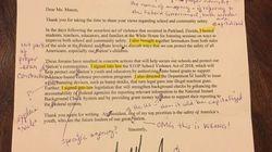 Riceve una lettera da Trump, la prof la rispedisce corretta.