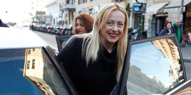 Giorgia Meloni comincia la campagna elettorale: tour nei mercati rionali