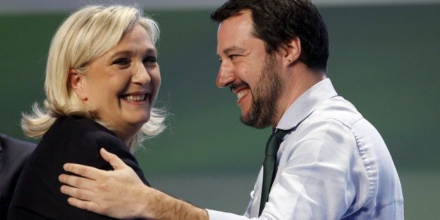 Le cene d'oro del gruppo europarlamentare di Salvini e Le Pen: 13.500 euro per il cenone di