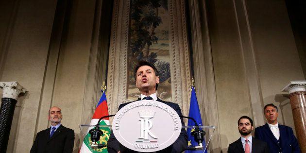 Tria e Moavero tecnici non sgraditi al Colle. Di Maio e Salvini vicepremier per guidare Conte. Giorgetti...