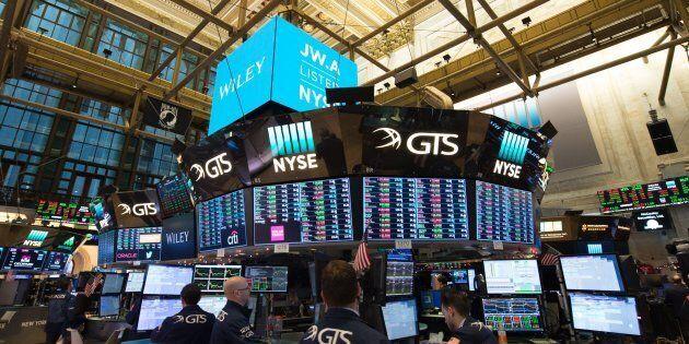 Colpo di paura a Wall Street. La Borsa americana messa in ginocchio dai timori sull'inflazione e una...