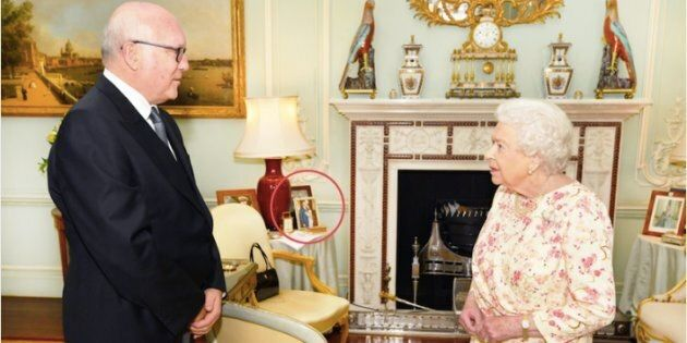 La Regina Elisabetta II ha una foto mai vista prima di Harry e