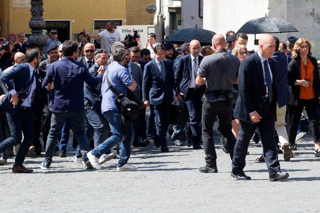 Giuseppe Conte incontra i lavoratori di Fedex-Tnt: