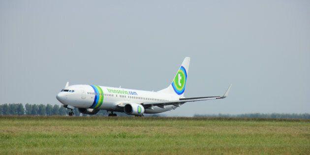 Passeggero non si lava da giorni: l'aereo è costretto all'atterraggio