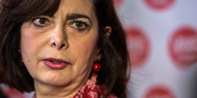 Nuovo fotomontaggio in rete contro Laura Boldrini, la testa stretta fra le