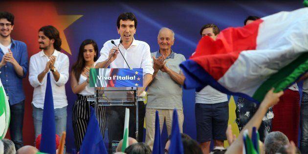 Il nemico della piazza dem di Santi Apostoli è Salvini. Martina: