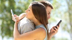 Dall'armadio al cellulare, quando gli amanti diventano