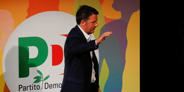Hacker attaccano Pd Firenze, online anche il cellulare di Matteo Renzi. La rivendicazione del gruppo...