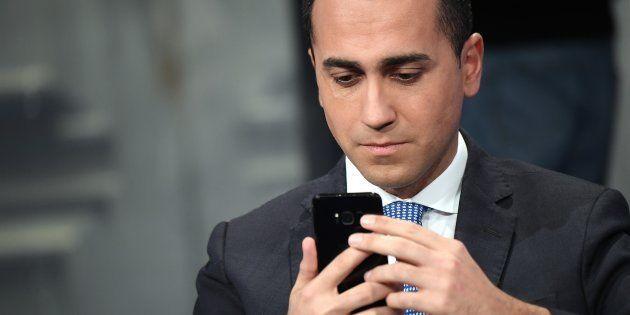 Luigi Di Maio vuole tenere la delega sulle tlc. Lo ha comunicato a Salvini, ma la Lega vuole