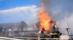Esplosione in un'azienda nel Comasco: 6 feriti, tre sono