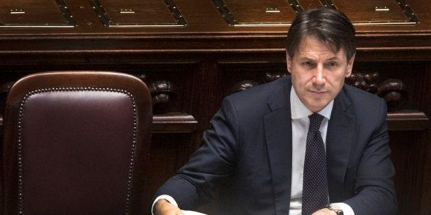 Il 46% degli italiani promuove Conte, sei su dieci a favore dell'abbandono dell'austerità