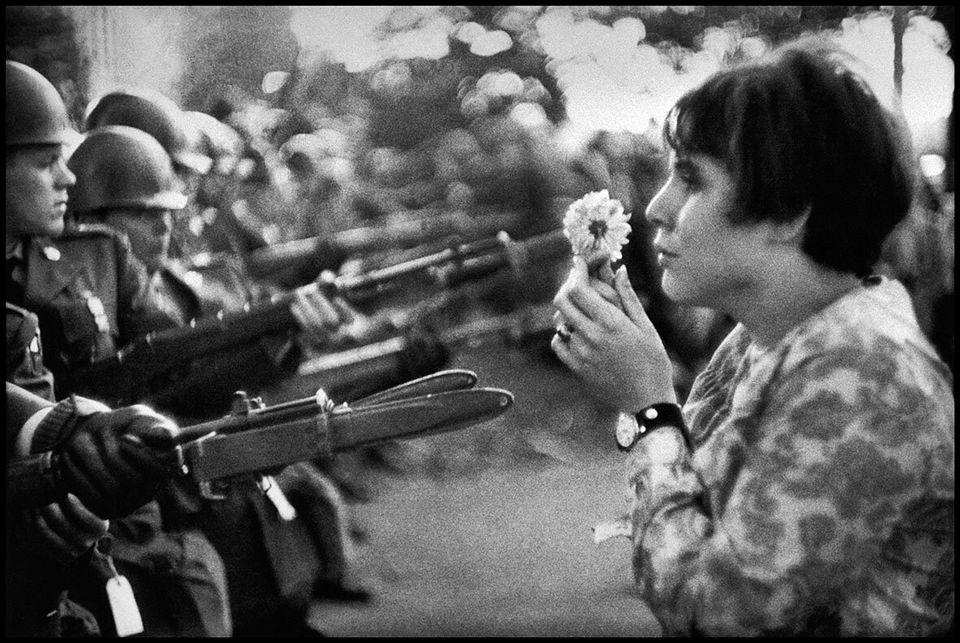 USA. Washington DC. 1967. An American young girl, Jan Rose KASMIR, confronts the American National Guard...