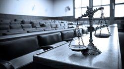 Soli 6 mesi per uno stupro: il giudice viene rimosso