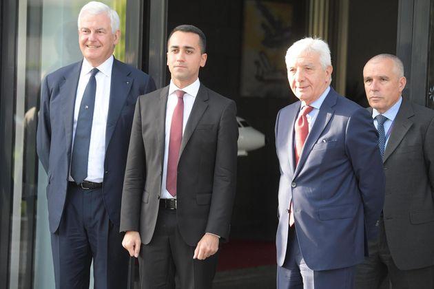 Il ministro del Lavoro Luigi Di Maio in visita allo stabilimento Leonardo di Pomigliano d'Arco ( Napoli)...