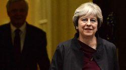 May presenta il suo piano B per la Brexit: restare nell'unione doganale fino al 2021 (e oltre?) per scongiurare il