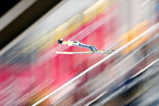 Guardando le foto (pazzesche) degli ski jumper di Pyeongchang 2018 vi sembrerà di