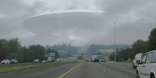 Un ufo sorvola i cieli di Torino, gli abitanti chiamano i