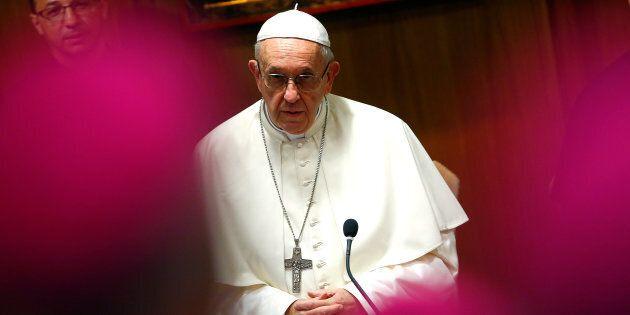 Papa Francesco accetta le dimissioni dei tre vescovi cileni coinvolti nello scandalo