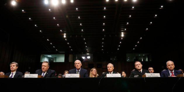 """""""Conflitto mai così vicino dalla Guerra Fredda"""". Il capo degli 007 lancia l'allarme russo per il"""